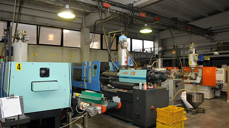 Azienda4-abantonelli-stampi-stampaggio-materie-plastiche.jpg